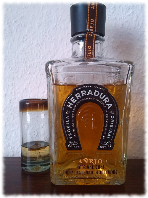 herradura-anejo-flasche
