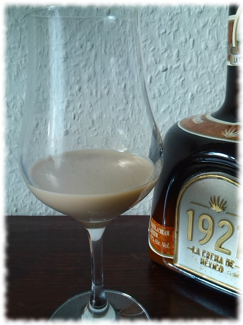 1921cremadetequila-glas