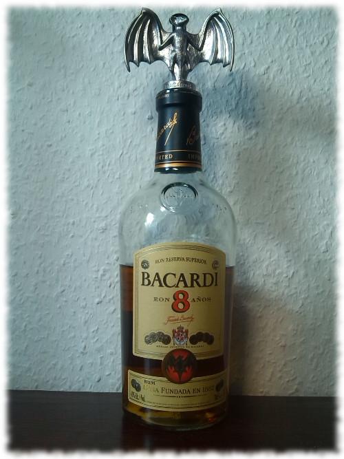 Bacardi 8 Años Flasche