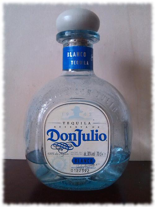 Don Julio Tequila Blanco Flasche
