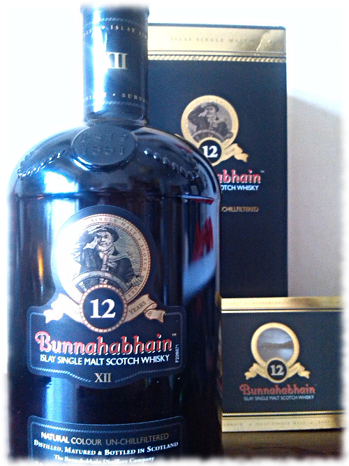 Bunnahabhain 12 Islay Single Malt Scotch Whisky Karton und Beilage