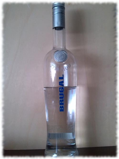 Brugal Titanium Flasche