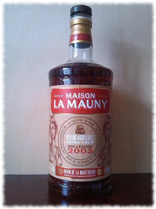 Maison La Mauny Millésime 2005 Cuvée de la Confrérie du Rhum Flasche