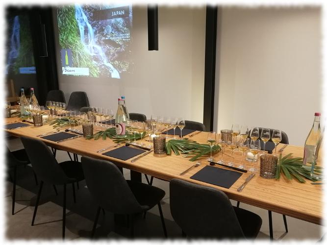 The Art of Japanese Whisky vorbereiteter Tisch