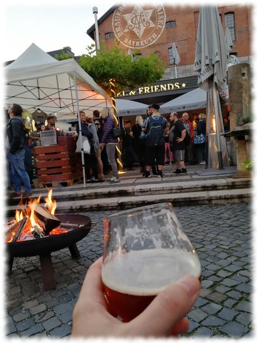 Maisel & Friends Craft Beer Festival 2018 - 02 - Gestopfter Bär im Freien