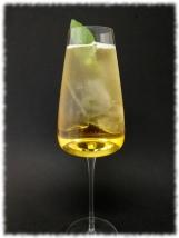 Sauternes Tonic Cocktail