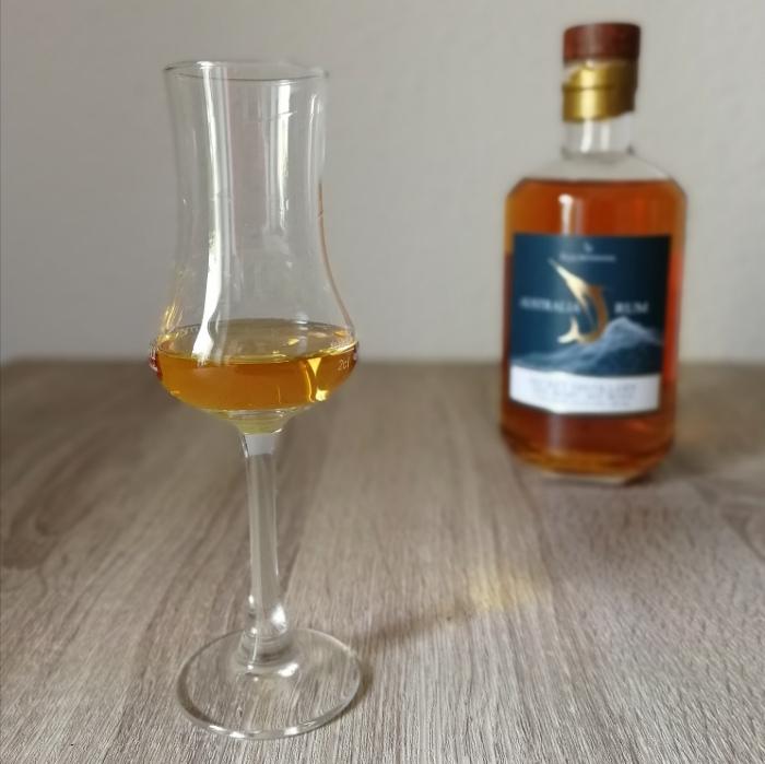 Rum Artesanal Australia Rum Secret Distillery Glas