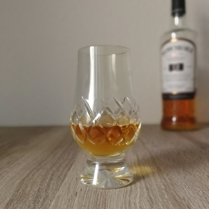 Bowmore Aged 12 Years Islay Single Malt Scotch Whisky Glas