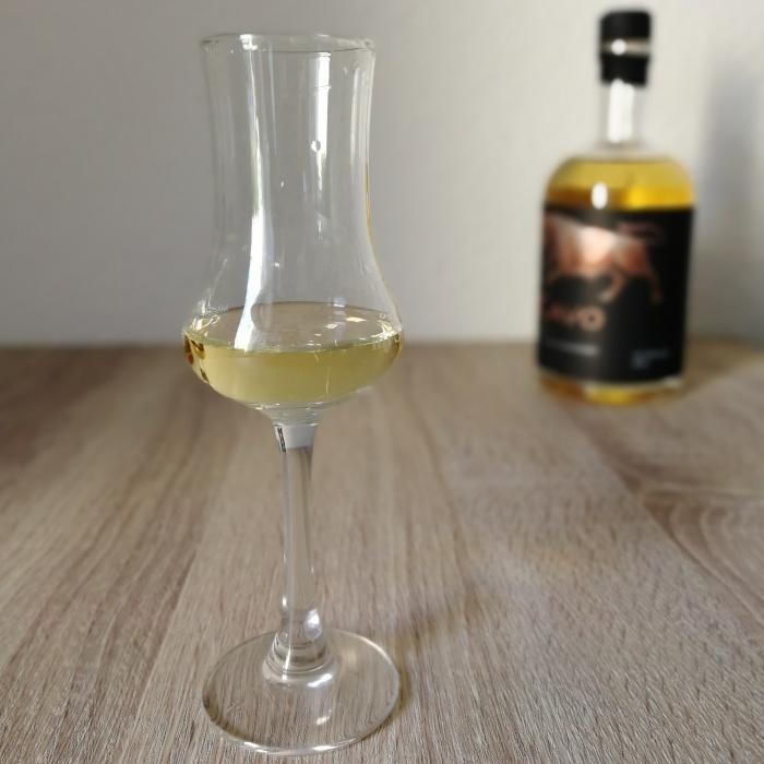 Märkische Spezialitätenbrennerei DeCavo Handcrafted Single Malt Höhlenwhisky Glas