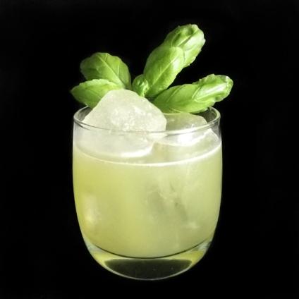 Linie Basil Smash Cocktail