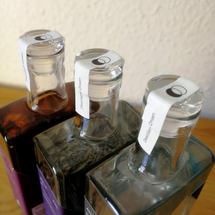 Destillerie Onsen Obstbrände und Geiste Glasstöpsel