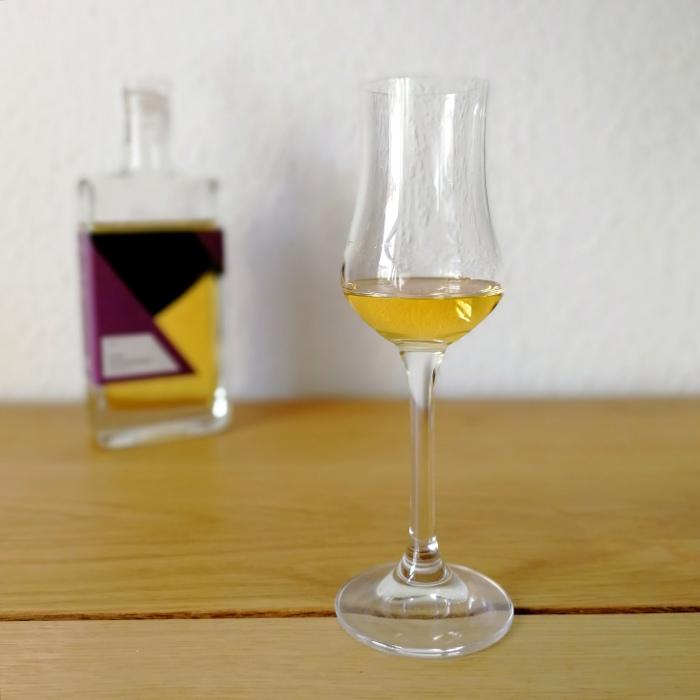 Destillerie Onsen Frühe Hauszwetschge (Rumfass) Glas