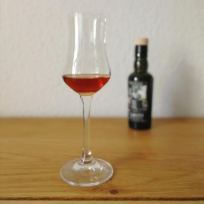 """Velier Caroni Heavy Rum """"Employees"""" Special Edition 5th Release (VSGB) Dhanraj """"Dan"""" Maharaj Glas"""